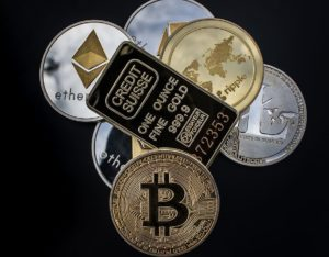 Bitcoin, cryptocurrency and gold